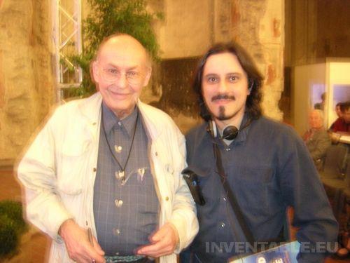 Foto de Marvin Minsky junto a mi en el Festival de la Ciencia de Bérgamo (2006)