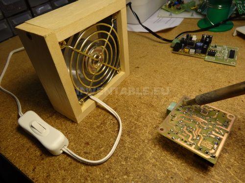 Extractor de humo hecho con un cooler para PC.