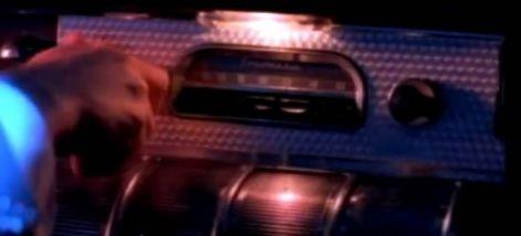 Radio de los años 50 en el video musical