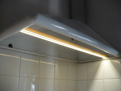 Campana de cocina iluminada con leds de 12V