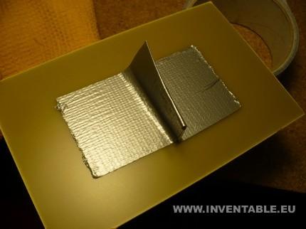 Cinta adhesiva pegada en el circuito impreso