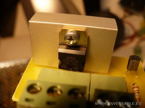 Foto del driver para LEDs con el disipador