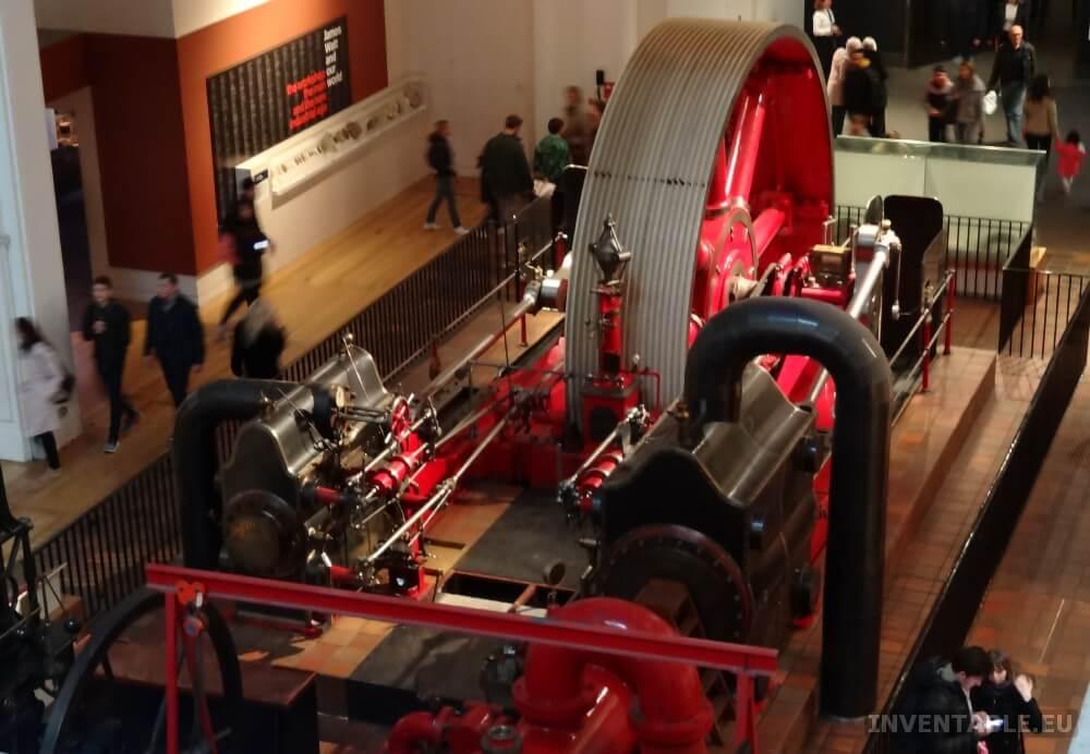 Gigantesca máquina a vapor al Museo de la Ciencia de Londres.