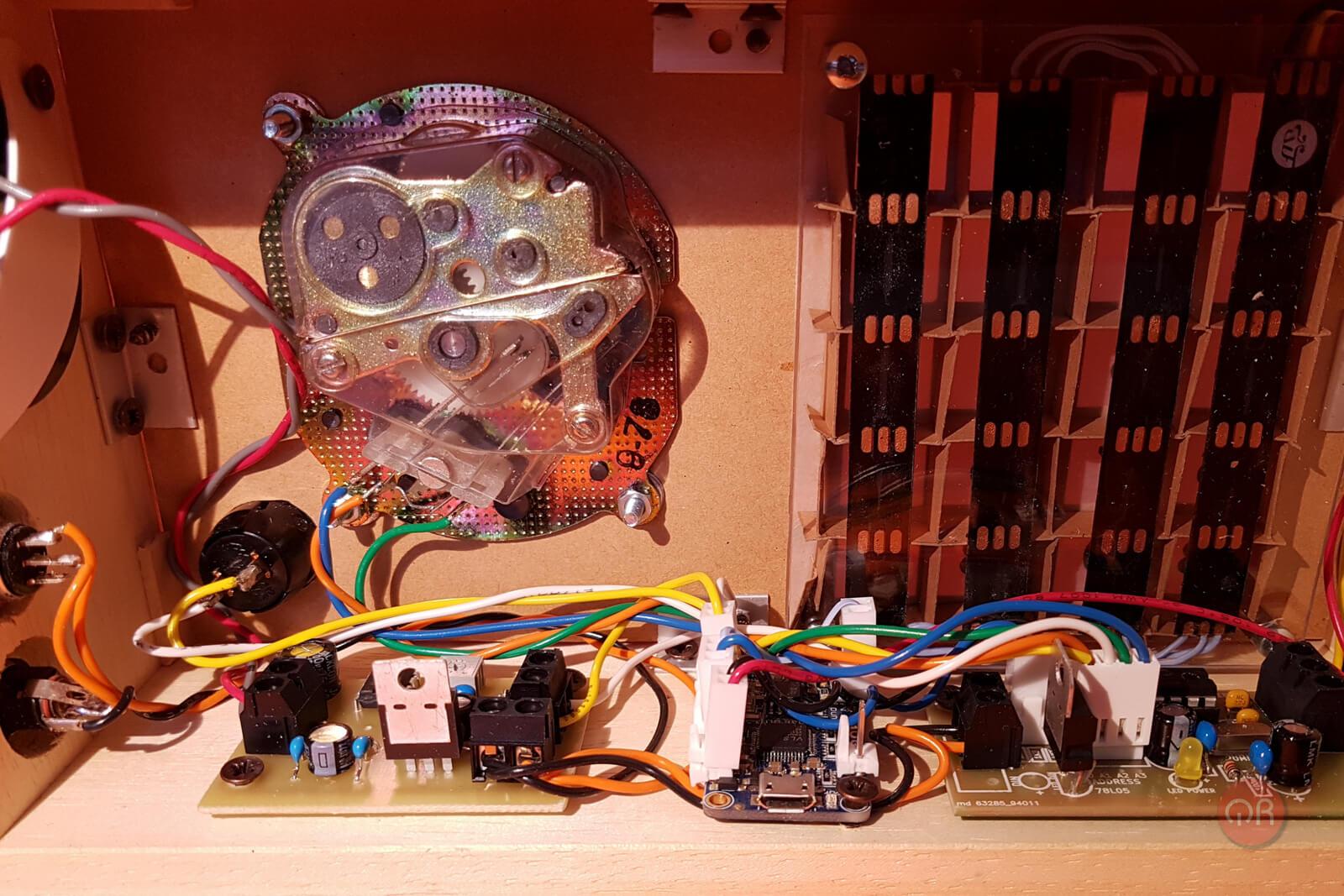 Otra foto del interno del timer con mayor detalle.