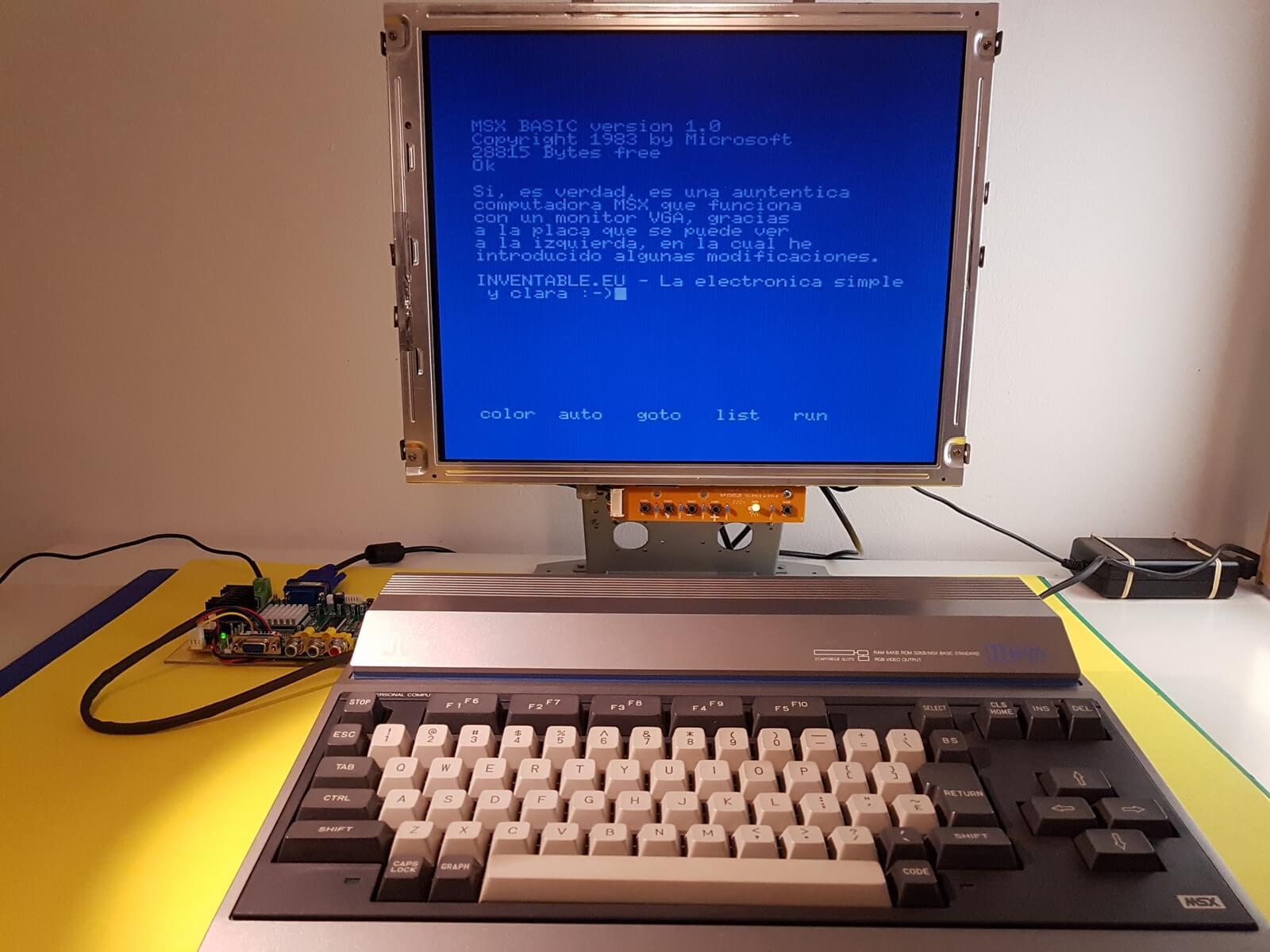 Ordenador MSX con la pantalla VGA en funciones