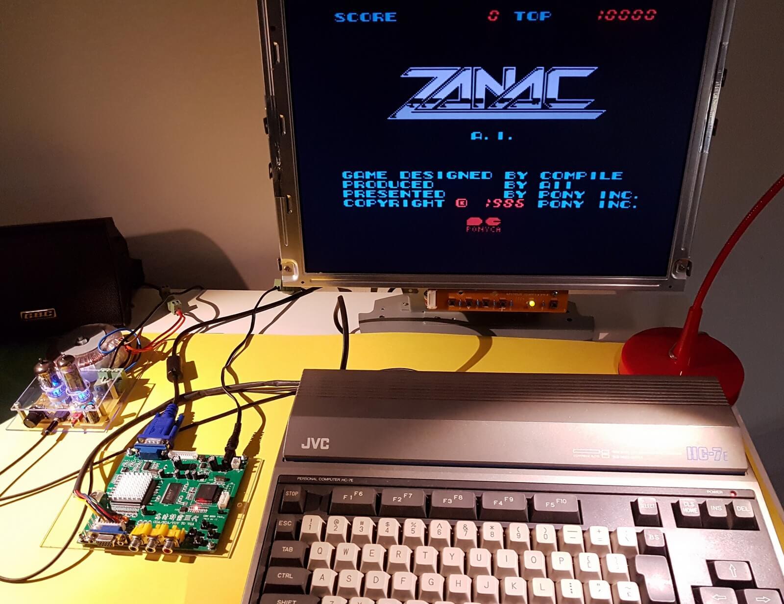 Ordenador MSX con uno de los juegos que he logrado cargar